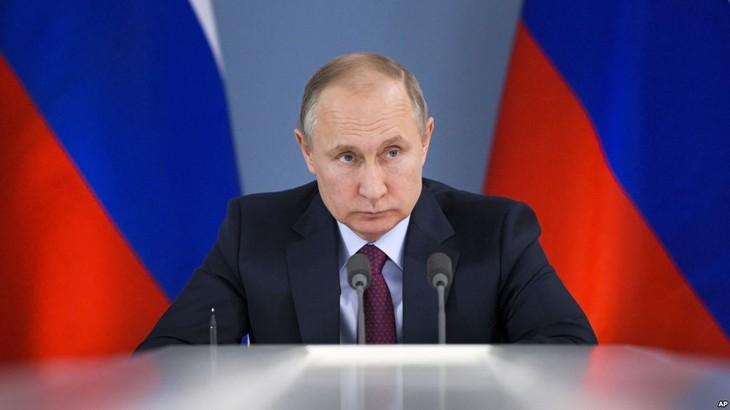 Нгуен Фу Чонг поздравил Путина с переизбранием на пост президента России - ảnh 1