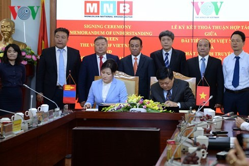 Новый этап сотрудничества между VOV и MNB - ảnh 1