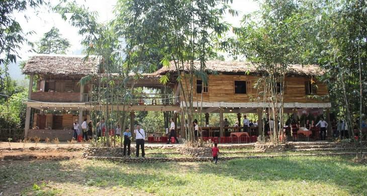 Развитие хоумстей-туризма в сочетании с сохранением традиционной культуры народности коту - ảnh 1