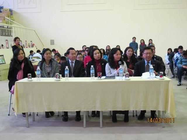 กิจกรรมการกุศลของสถานทูตไทยประจำเวียดนาม ณ โรงเรียนคนตาบอด NguyenDinhChieu - ảnh 1