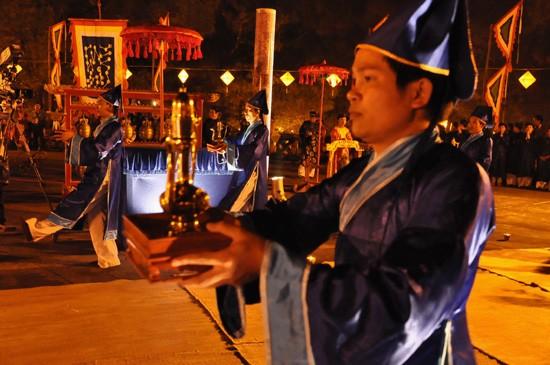 การจัดพิธีบวงสรวงเทวดาฟ้าดิน Nam Giao - ảnh 8