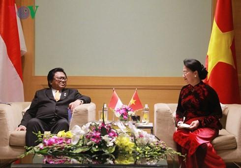 ประธานสภาแห่งชาติเวียดนามให้การต้อนรับคณะผู้แทนรัฐสภาอินโดนีเซียและมาเลเซีย - ảnh 2