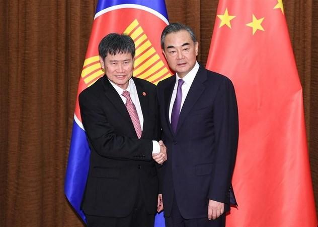 จีนและอาเซียนมุ่งสู่ประชาคมที่ใกล้ชิดกันมากขึ้น - ảnh 1