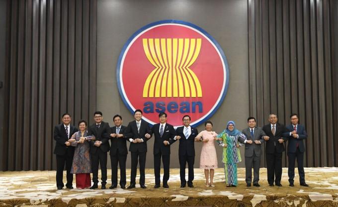 ผลักดันความสัมพันธ์หุ้นส่วนยุทธศาสตร์อาเซียน-ญี่ปุ่น - ảnh 1