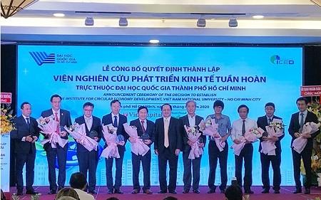 จัดพิธีจัดตั้งสถาบันวิจัยการพัฒนาเศรษฐกิจหมุนเวียนแห่งแรกในเวียดนาม - ảnh 1