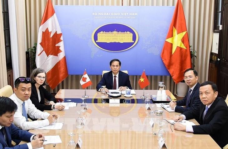 เวียดนามและแคนาดาผลักดันความร่วมมือด้านเศรษฐกิจ การค้าและการลงทุน - ảnh 1