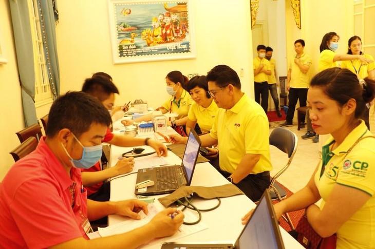 กิจกรรมบริจาคโลหิตของสถานทูตไทยประจำกรุงฮานอย - ảnh 2