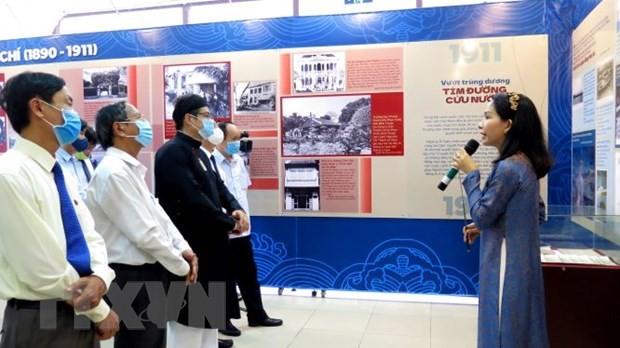 """เปิดงานนิทรรศการ """"ประธานโฮจิมินห์แสวงหาหนทางกู้ชาติ""""  - ảnh 1"""