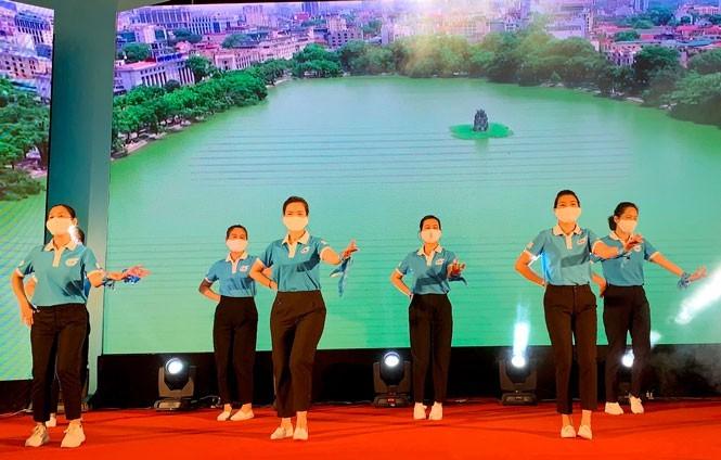 """Hari Keluarga Vietnam 2021: """"Keluarga yang Tenteram -Masyarakat yang Bahagia"""" - ảnh 7"""