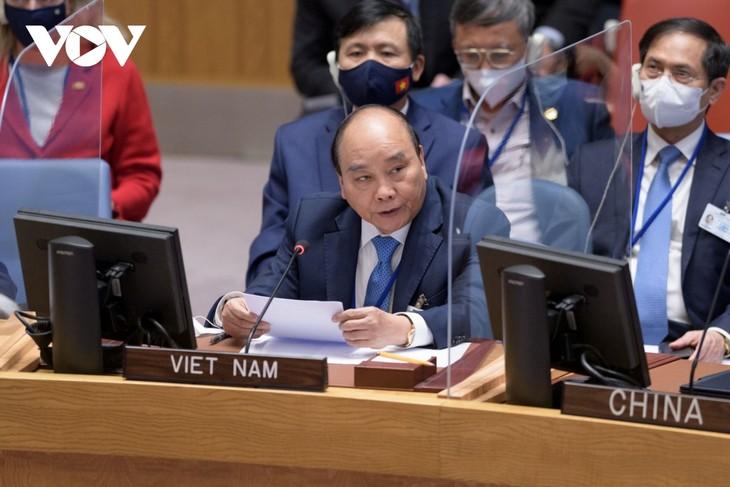 ประธานประเทศเวียดนามเสนอให้สหประชาชาติจัดทำฐานข้อมูลเกี่ยวกับผลกระทบจากปัญหาน้ำทะเลหนุน - ảnh 1