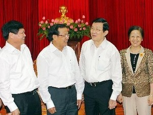 Role models in following Ho Chi Minh's moral example honored - ảnh 1