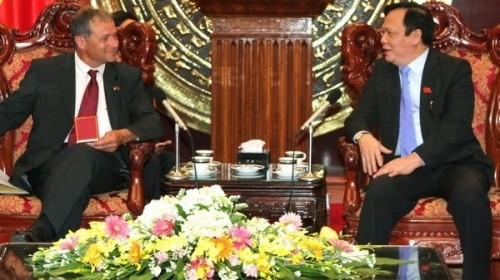 French legislator lauds Vietnam's East Sea stance - ảnh 1