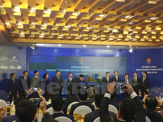 Vietnam's stock market opens first trading session of 2018 - ảnh 1