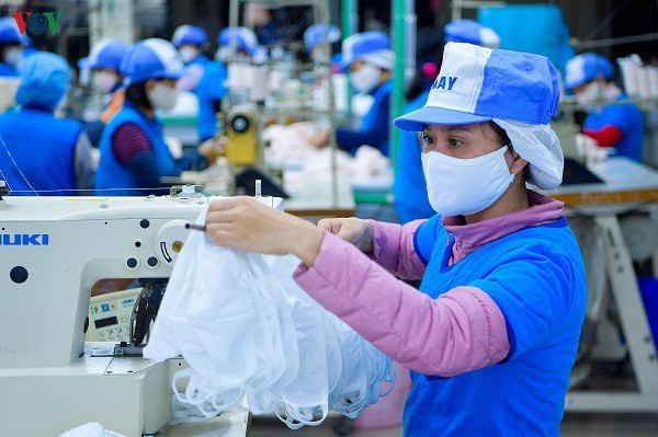 Workers urged to prepare for post-epidemic period - ảnh 1