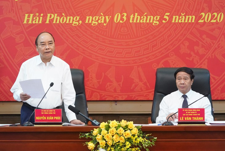 PM urges Hai Phong to fulfill dual task - ảnh 1