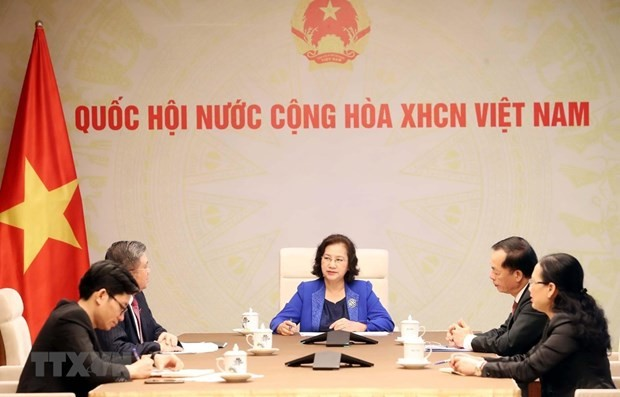 Vietnamese, Lao National Assembly leaders hold phone talks - ảnh 1