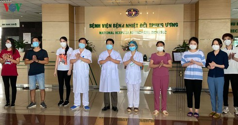 Additional eight COVID-19 patients discharged from hospital - ảnh 1