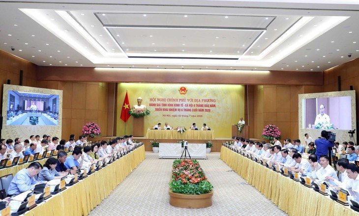 Vietnam aims to stimulate domestic demand, expand exports - ảnh 1