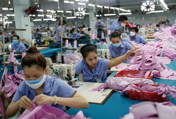 Vietnam's outlook is 'one of the brightest' in Asia: Foreign experts - ảnh 1