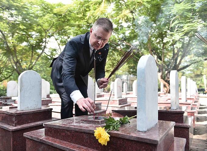 Addressing war aftermath – bright spot in Vietnam-US relations - ảnh 1