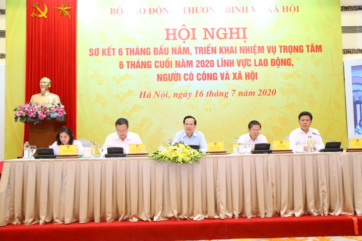 Efforts exerted to strengthen labor market - ảnh 1