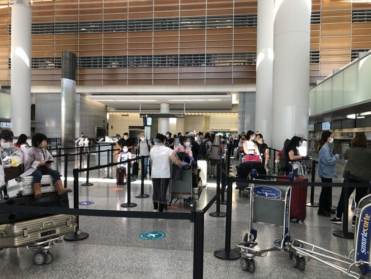 Vietnamese citizens brought home from US - ảnh 1
