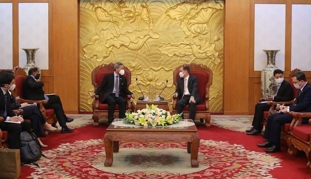 Ruling parties of Vietnam, Singapore seek stronger cooperation - ảnh 1