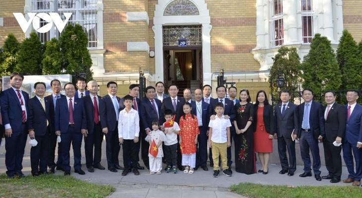 Top legislator's trip conveys strong message about Vietnam's parliamentary diplomacy  - ảnh 2