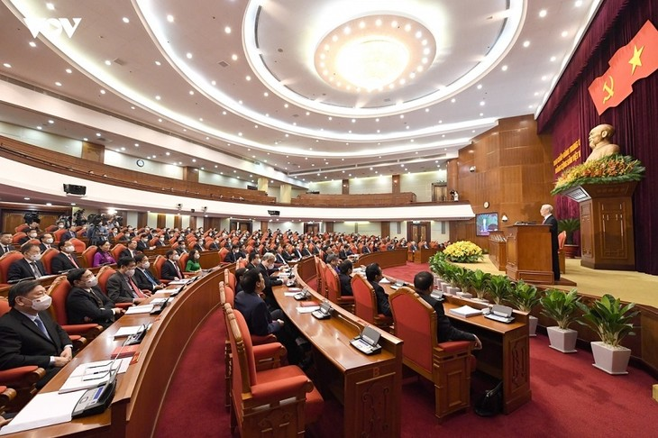 Party Central Committee's meeting draws public attention - ảnh 1