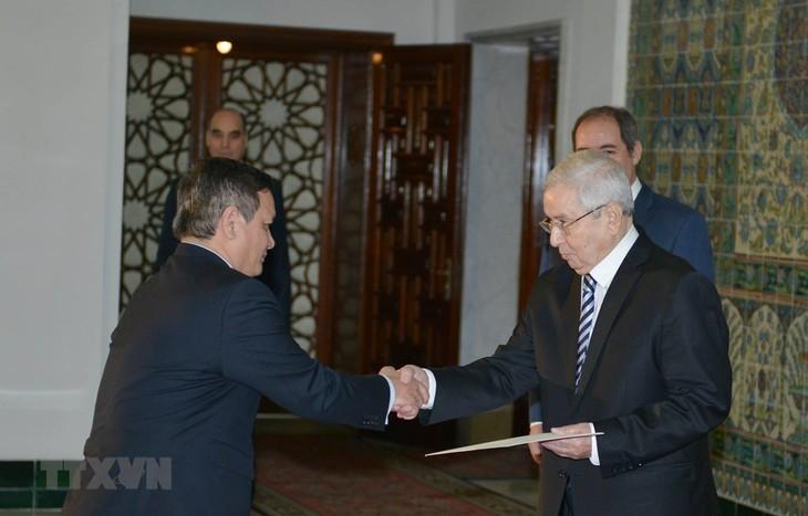 阿尔及利亚总统希望促进与越南关系 - ảnh 1