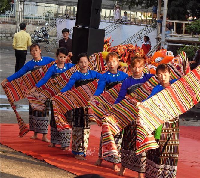 2020年春色活动在昆嵩省开幕 - ảnh 1