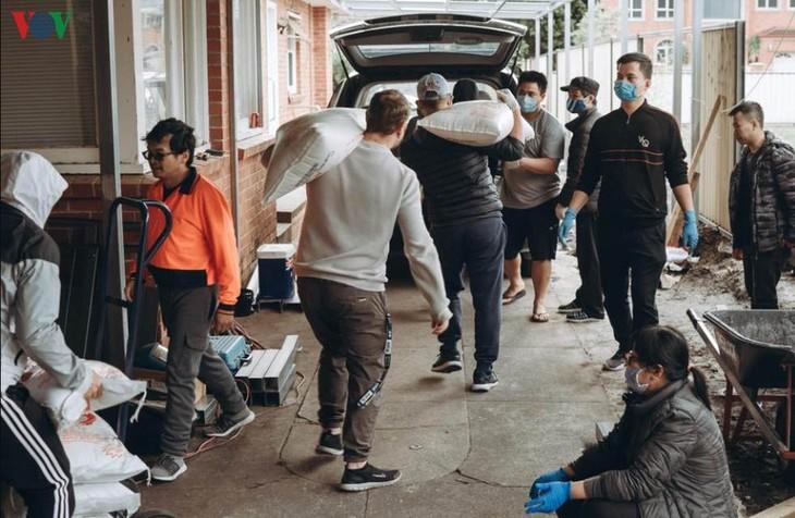 旅外越南人携手应对新冠肺炎疫情 - ảnh 1