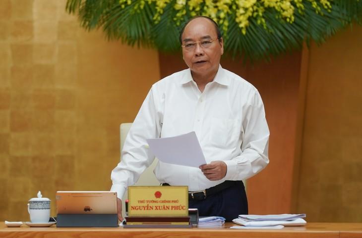 阮春福总理:采取有力措施促进增长 - ảnh 1