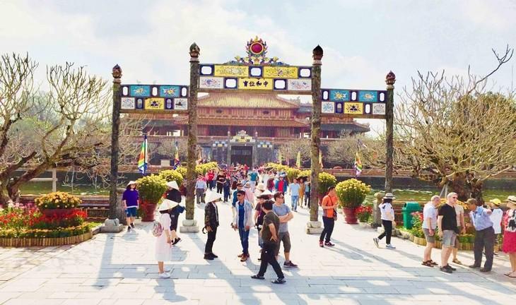 承天顺化省重启旅游市场 注重吸引国内游客 - ảnh 1