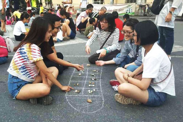 Promoting traditional games urgently needed in modern society  - ảnh 2