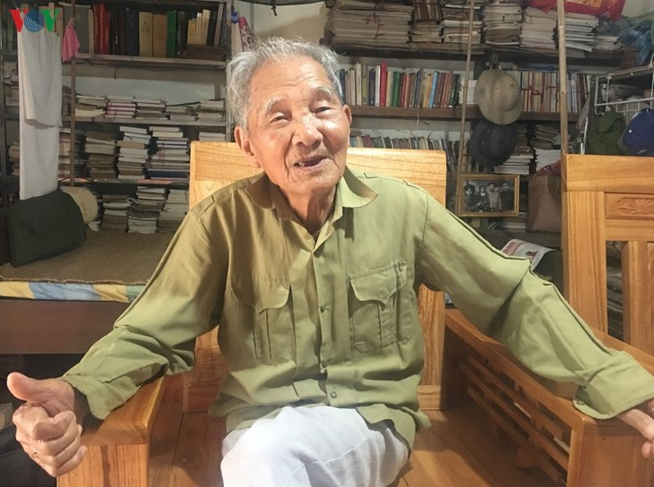 Tay poet devotes whole life to ethnic culture  - ảnh 1
