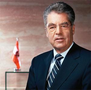 Presidente de Austria comienza su visita oficial a Vietnam - ảnh 1