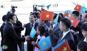 Presidente de Vietnam visita República de Kazajstán  - ảnh 1