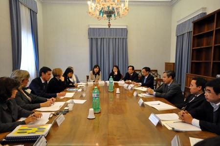 Vietnam e Italia dialogan de religión y creencias  - ảnh 1