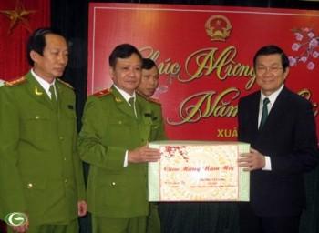 Llama Presidente de Vietnam a mantener la seguridad en ocasión del Tet - ảnh 1