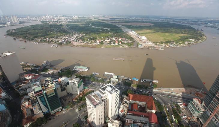 Torre Bitexco, símbolo de prosperidad y dinamismo de Ciudad Ho Chi Minh - ảnh 4