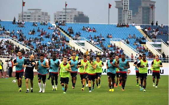 Arsenal y selección nacional de Vietnam se enfrentan en partido amistoso  - ảnh 1