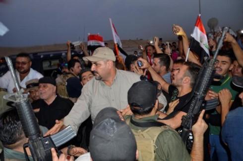 Primer ministro de Iraq declara la victoria sobre el Estado Islámico en Mosul  - ảnh 1