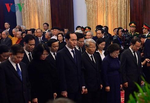 Solemne sepelio del exprimer ministro de Vietnam en Ciudad Ho Chi Minh - ảnh 1