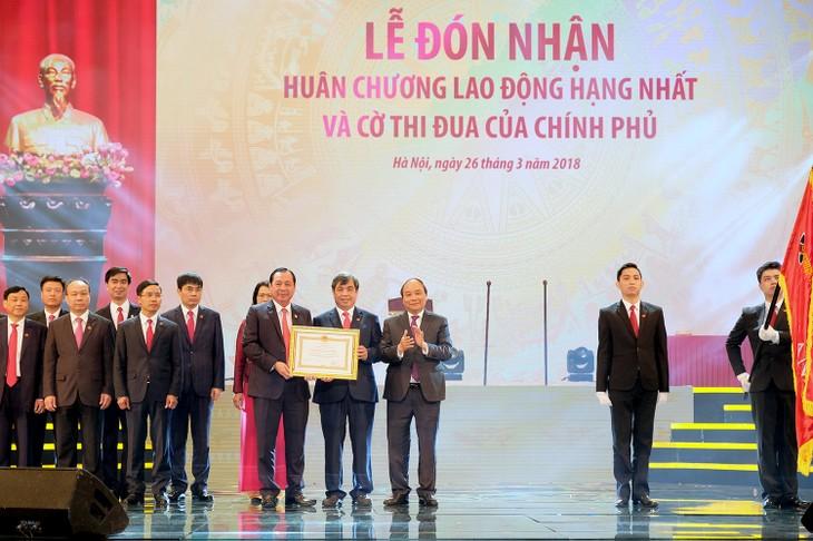 Premier vietnamita felicita al Banco Agribank por sus 30 años - ảnh 1