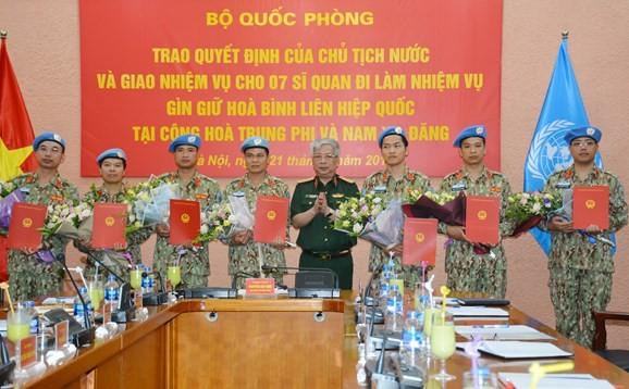 Vietnam asigna a siete funcionarios más para misiones de mantenimiento de la paz de la ONU - ảnh 1