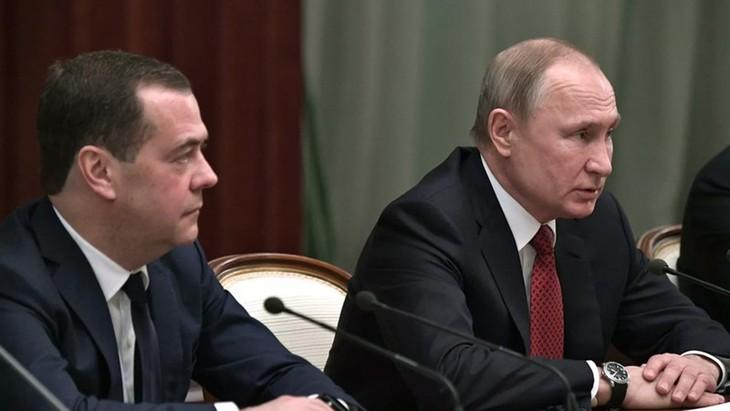 Rusia anuncia disolución del Gobierno de Medvedev - ảnh 1