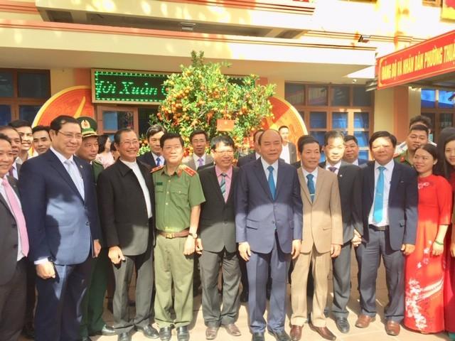 Premier vietnamita visita Da Nang en ocasión del Tet  - ảnh 1