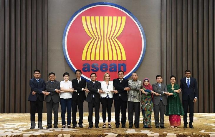 Celebran conferencia del Comité de Cooperación Conjunta entre Asean y Estados Unidos  - ảnh 1