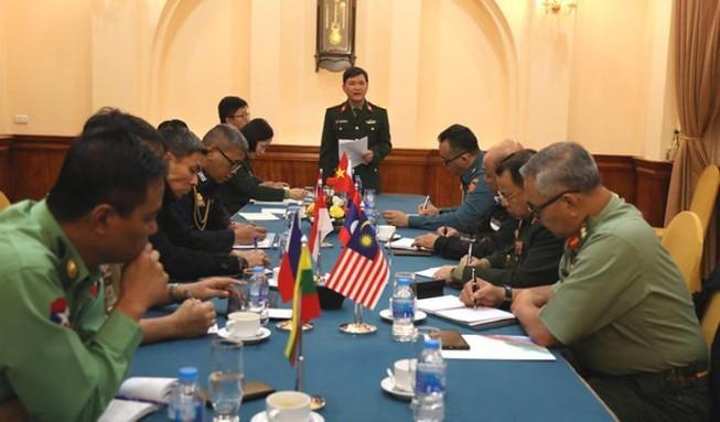 Vietnam garantiza seguridad médica para Reunión de Ministros de Defensa de Asean ante brote de Covid-19 - ảnh 1